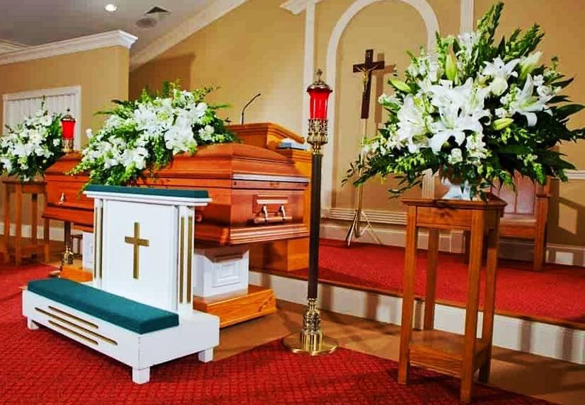 Цени за погребение с бял ковчег и поп