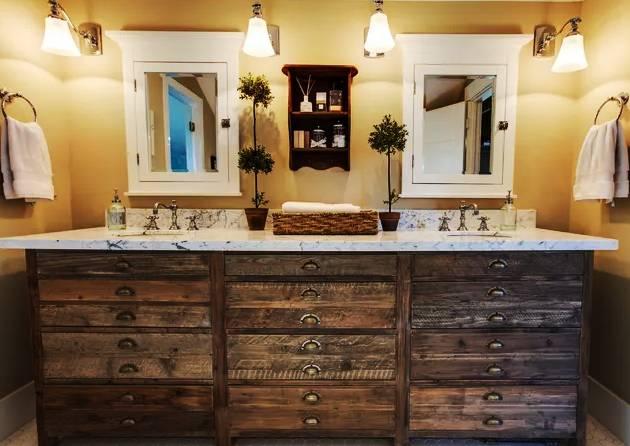 Горни шкафове за баня