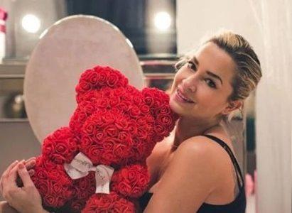 Мече от червени рози – страст, любов и признание!